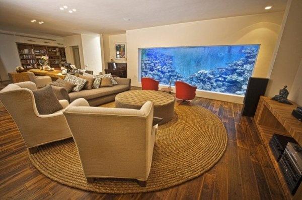 以色列土豪在家建造的巨型海水鱼缸
